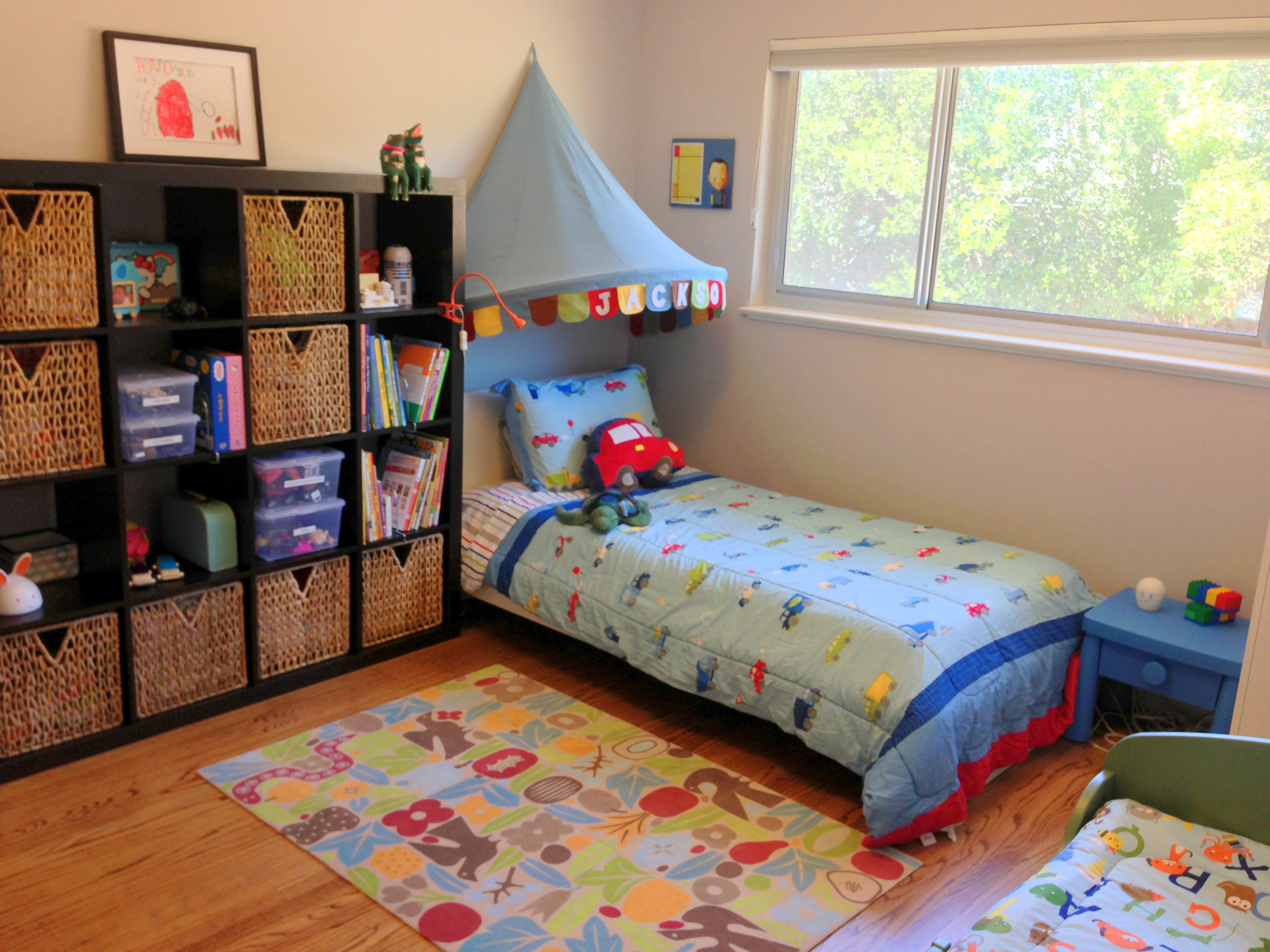 Boy meets girl siblings share a bedroom poche de maman for Bedroom ideas for siblings sharing